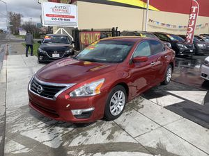 2015 Nissan Altima S 50k Low Miles for Sale in Fresno, CA