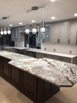 Kitchen cabinets and granite for Sale in North Lauderdale, FL