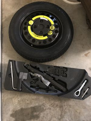 2010 MERCEDES ML 350 spare tire, jack, and tool kit for Sale in Atlanta, GA