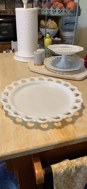 Milk Glass Plate w/ Scalloped Heart Edges for Sale in Louisville, CO