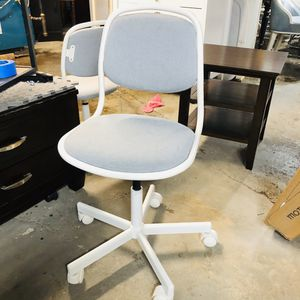 kids chair hood condition for Sale in Somerville, MA