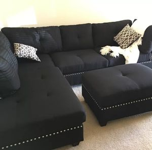 """Brand new in box black sectional sofa includes ottoman. - reversible chaise 104""""×75"""" for Sale in Downey, CA"""