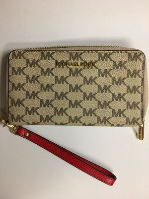Michael Kors Wallet/Wristlet (BRAND NEW) for Sale in Seattle, WA