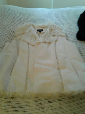 It's it's a off-white beautiful with a lot of fur jacket for Sale in VA, US