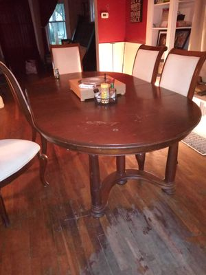 Table & 6 chairs for Sale in Brooklyn, OH