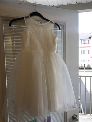 Girls flower girl dress size 8 for Sale in Edgewood, WA