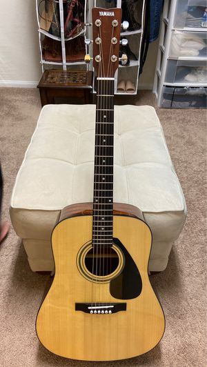 Yamaha Guitar with bag for Sale in Las Vegas, NV