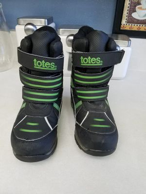 Totes rain boots snow boots size 2 kids for Sale in Colton, CA