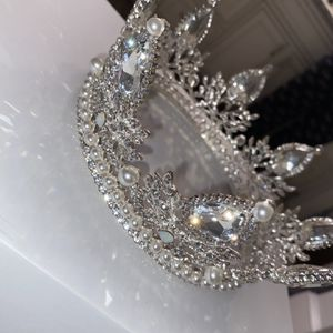 Crown for Sale in Marrero, LA