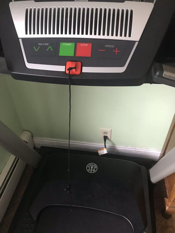 Golds Gym Trainer 720-Air StridePlus Treadmill.