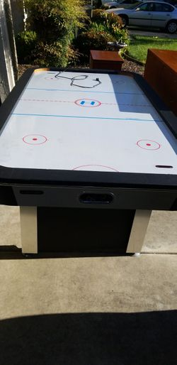Air hockey table $100 firm for Sale in Turlock,  CA