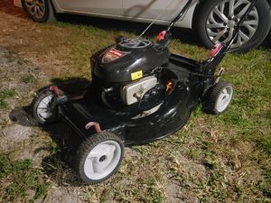 """Craftsman Lawn Mower 7hp 22""""cut self propelled for Sale in Miami, FL"""