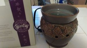 Discontinued med Scentsy warmer for Sale in Magna, UT