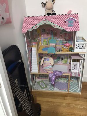 Doll house for Sale in Saugus, MA