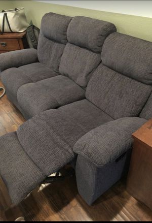 Like new reclining couch. Pet and smoke free for Sale in Ontario, CA