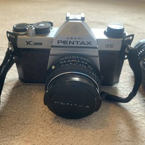 Pentax 35 mm SLR Film Camera with Accessories for Sale in Rock Hill, SC