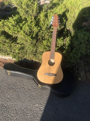 Acoustic guitar 38 inch for Sale in Livermore, CA