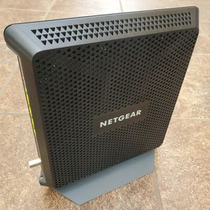 Netgear Nighthawk AC1900 v2 Smart Router for Sale in Los Angeles, CA