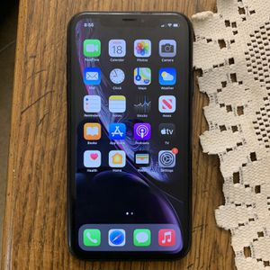 Unlocked iPhone XR 64gb for Sale in Rockville, MD