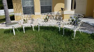 BEAUTIFUL iron patio/yard furniture for Sale in Riverview, FL
