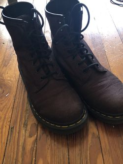 1460 WOMEN'S SMOOTH LEATHER DOC MARTENS for Sale in Atlanta,  GA