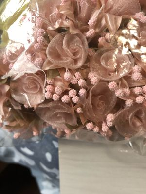 Flores y pompones en rose gold for Sale in Richmond, CA