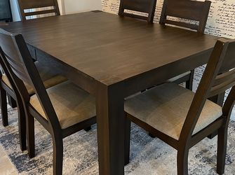 Dining Set (7 pieces) from American Signature Furniture for Sale in St. Petersburg,  FL