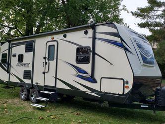 2018 Venture Sporttrek 252VRD for Sale in Hinckley,  OH