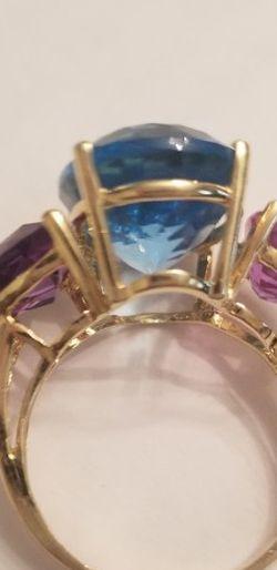 14kt GOLD BLUE TOPAZ + AMETHYST RING 7.5 for Sale in Gaithersburg,  MD