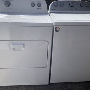 Whirlpool Set Washer And Dryer Electric for Sale in Houston, TX