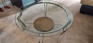 Round glass coffee table for Sale in North Hollywood, CA