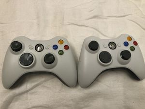 2 Xbox 360 Controllers, 1 Controller Charger, 1 Stock Headset, 3 Games...Plus free Xbox 360 that works sometimes and other times doesn't. for Sale in Battle Ground, WA