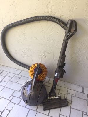 Dyson DC39 Ball Multi Floor Vacuum Cleaner - Yellow for Sale in Sarasota, FL