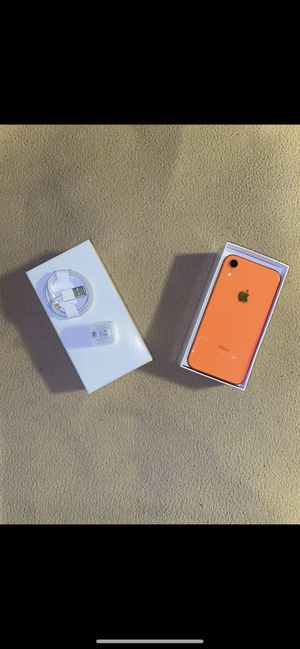 iPhone XR 64 gb unlocked for Sale in Durham, NC