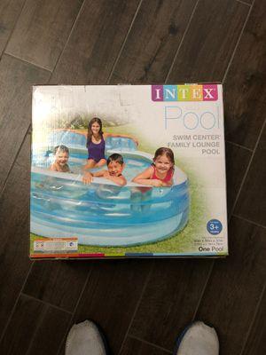 Swim Center Family Lounge Pool 90in x 86in x 31in $130obo for Sale in Fresno, CA