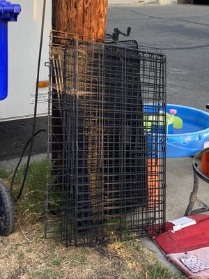 Medium dog kennel for Sale in San Diego, CA