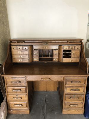 Classic roll top (pull down) wooden desk for Sale in Irvine, CA