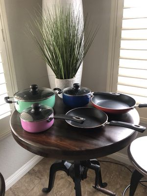 Pots and Pans Set + Utensils for Sale in Escondido, CA