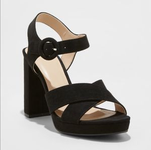 NEW Fiona Black Platform Ankle Strap Sandals for Sale in Queens, NY