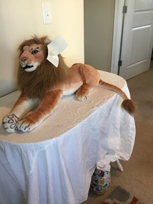 Large Stuffed Animal Lion 27 inches approximately without tail for Sale in Berlin, MD