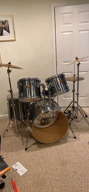 Pearl Drum Set for Sale in Middle River, MD