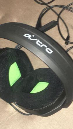 A10 Headset Like New for Sale in Belleville,  NJ