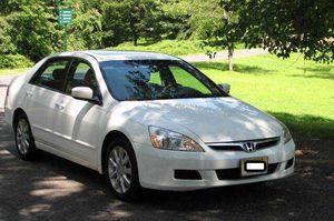 2005 Honda Accord EX-L Beauty for Sale in Wichita, KS