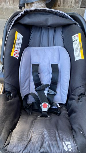 Car seat with base for Sale in Modesto, CA