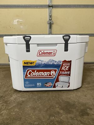 Coleman 85 Quart Cooler with cutting board for Sale in Sterling, VA