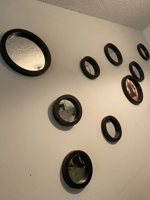 Circle wall decor for Sale in Tamarac, FL