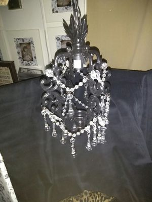 Beautiful hanging lamp can use plug or hang on cieling for Sale in Hemet, CA