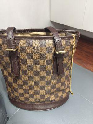 Authentic Louis Vuitton bucket bag monogram canvas pm for Sale in Miami, FL