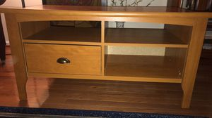 TV console table for Sale in Centreville, VA