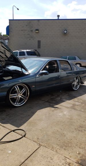 1995 Chevy impala ss LT1 with corvette engine for Sale in Chicago, IL